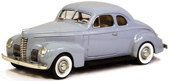 1939 Nash Ambassador Eight 2-Door Coupe (Dove Gray)