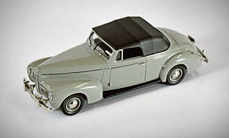 1:43 1940 Nash Ambassador Eight Convertible (Dove Gray w/Black Soft Top)