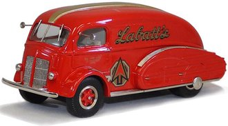 "1937 White COE Oil Tanker ""Labatt's"" (Red)"