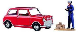Italian Job - Austin Mini, Driver & Gold Bar