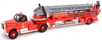 """Mack B Ladder Truck """"Chicago, IL"""" *** Box Damage to End Flaps ***"""