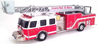"1:50 E-1 75' Ladder Truck ""Duncan"" *** Paint Crackling on Roof ***"