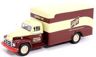 """Diamond T620 Box Van """"Schlitz Beer"""""""