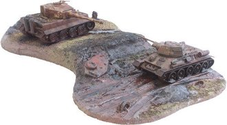Kursk (Tiger & T-34) Tank Diorama *** Box Damage to Edges ***
