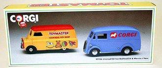 Bedford O & Morris J Delivery Vans (Set of 2)