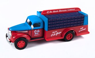 """1941-46 Chevy Bottle Truck """"O-So Grape"""" (Windsor Blue/Red)"""