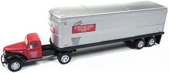 "1:87 1941-46 Chevy Tractor w/Trailer ""Strickland"" (Red/Grey)"