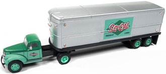 "1:87 1941-46 Chevy Tractor w/Trailer ""So-Cal Freight Lines"" (Green/Silver)"