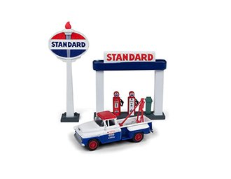 "1955 Chevy Tow Truck w/Station Sign & Gas Pump Island ""Standard Oil"" (Red/Blue)"