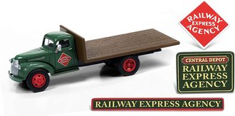 """1941-1946 Chevy Flatbed Truck w/Shipping Crates&Building Signs """"Railway Express Agency"""" (Drk Green)"""