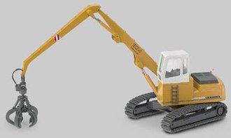 Liebherr R934 Track Excavator w/Scrap Clamshell