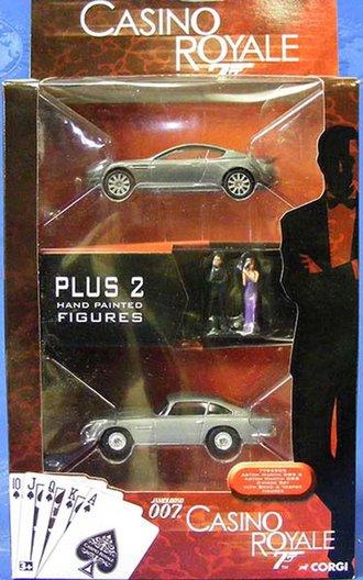 1:64 James Bond Aston Martin DB5 & DBS Set w/Figures