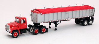 1:64 Ford LN 9000 Day Cab w/East End Dump Trailer (Red)