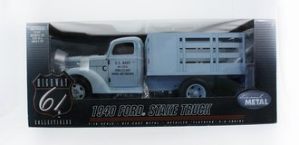 "1:16 1940 Ford Stake Truck ""US Navy"" (Light Blue)"