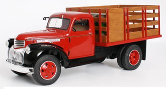 1946 Chevy Stake Truck w/Barrels (Red/Black)