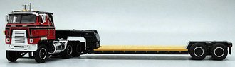 1:64 International TranStar w/Rogers Lowboy Trailer (Red/Black)