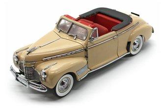 1941 Chevrolet Special Deluxe Convertible (Cream)