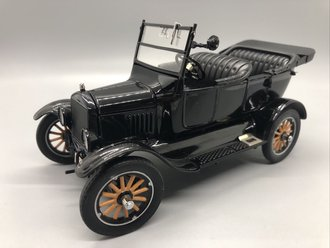 1925 Ford Model-T Runabout (Black)