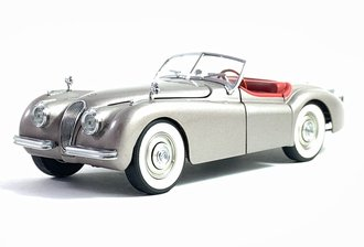 1949 Jaguar XK 120 (Sand & Silver Metallic)