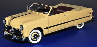 1949 Ford Custom (Cream)