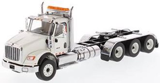 1:50 International HX620 Tridem Tractor (White)