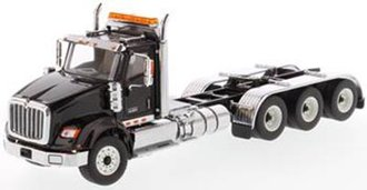 1:50 International HX620 Tridem Tractor (Black)
