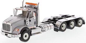 1:50 International HX620 Tridem Tractor (Light Grey)