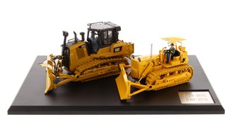1:50 Caterpillar D7 Track-Type Tractor (Circa 1955-1959) & Caterpillar D7E Track-Type Tractor
