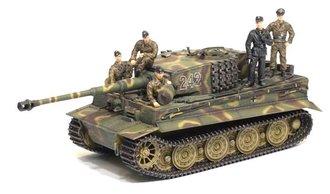 Tiger I Late Prod w/Zimmerit + Tank Crew