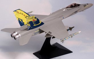 "McDonnell Douglas F/A-18C Hornet ""USN World Famous Golden Dragons"""
