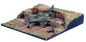 "Messerschmitt Me 262A ""White 3"" w/Airfield Hardstand Display Base"