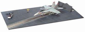 """F/A-18F Super Hornet, Vfa-102 """"Diamondbacks"""" w/CVN Deck"""