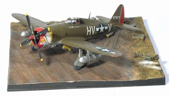 "P-47D Razorback, 61st FS, 56th FG ""Little Chief"" w/Airfield Base"