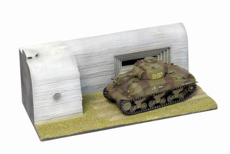 Sherman M4A1 2nd Armored Division, Normandy 1944 w/Diorama Fort