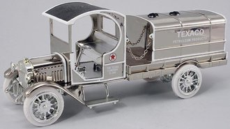 1:28 Texaco #17 1919 GMC Tanker (Bank) (Chrome) (Special Edition)