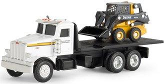 1:64 Peterbilt 367 Flatbed Truck w/John Deere 320E Skid Steer Loader