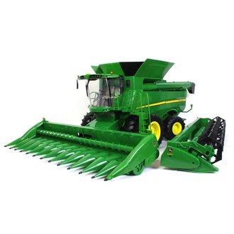1:16 Big Farm Series - John Deere S690 Combine w/12 Row Cornhead & Grain Head