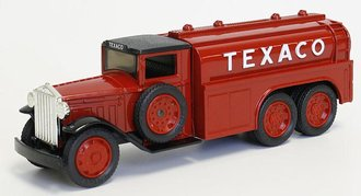 1:38 Texaco # 7 1930 Diamond T Tanker (Bank)
