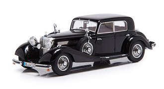 1936 Mercedes-Benz 540K Limousine (4-Doors) (Black)