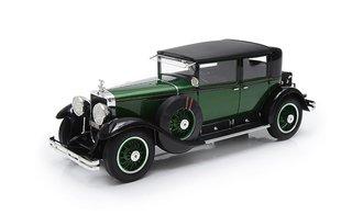 1:18 1928 Cadillac 341A Town Sedan - Al Capone's Armored Car (Green/Black)