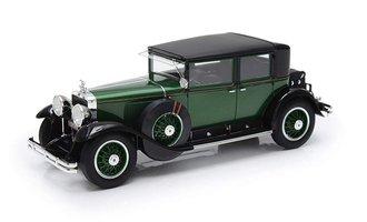 1:24 1928 Cadillac 341A Town Sedan - Al Capone's Armored Car (Green/Black)