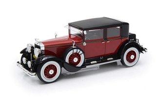 1:24 1928 Cadillac 341A Town Sedan (Red/Black)
