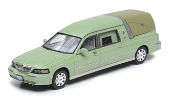 2009 Lincoln Towncar Hearse by Eagle Coach Company (Green)