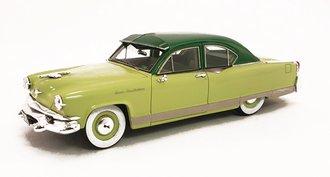 1:43 1953 Kaiser Manhattan 2-Door Sedan (Two-Tone Green)