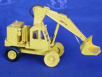 Broyt X2 Wheel Shovel Yellow