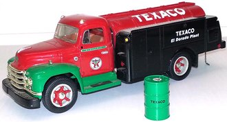 "1:34 1955 Diamond T Oil Tanker ""Texaco - El Dorado Plant"""