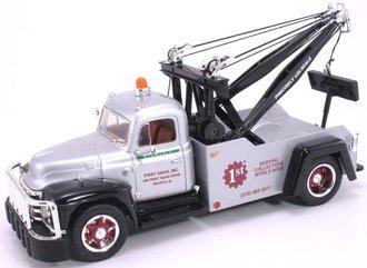 """1:34 1955 Diamond T Tow Truck """"First Gear"""""""