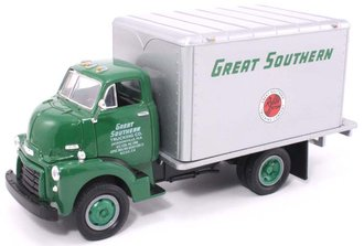"""1952 GMC Dry Goods Van """"Great Southern"""" (Green/Silver)"""