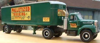 "1960 Mack B-61 w/Van Trailer ""Palletized Trucking"""