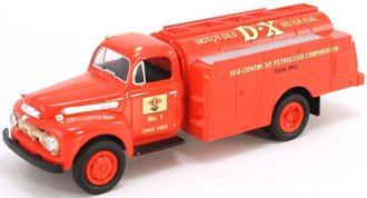 """1951 Ford Oil Tanker """"D-X Motor Oil - Mid-Continent Petroleum Corporation"""" (Bank)"""